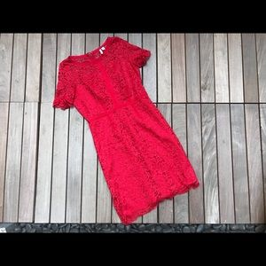 ELLE | Red Lace Dress